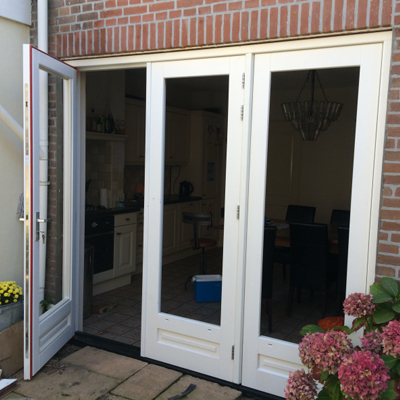 Dubbele deur met kozijn gebruikt gewolmaniseerd tuinhout for Brabant deur